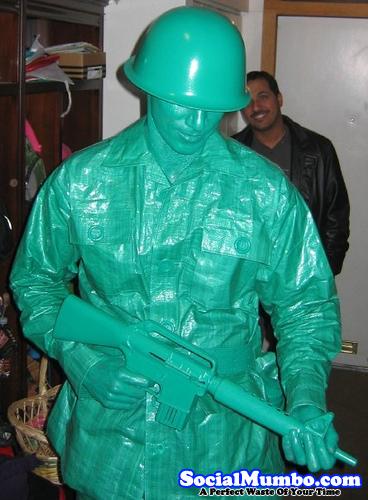 plastic-green-men-halloween-costume