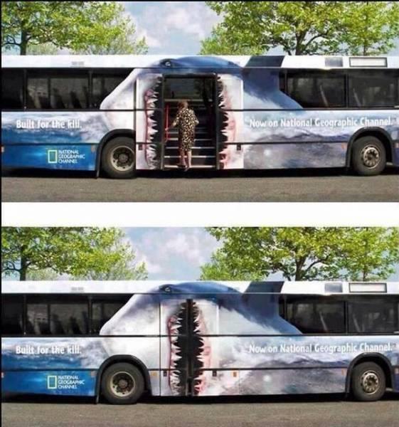 Διαφήμιση λεωφορείου National Geographic