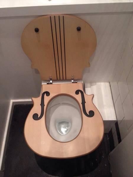 Κάθισμα τουαλέτας-κιθάρα