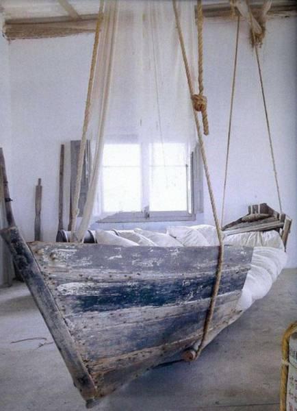 παλιά βάρκα-κούνια