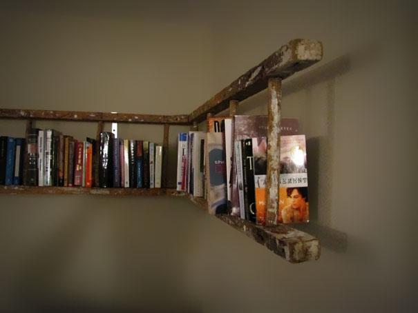 σκάλα-γωνιακή βιβλιοθήκη