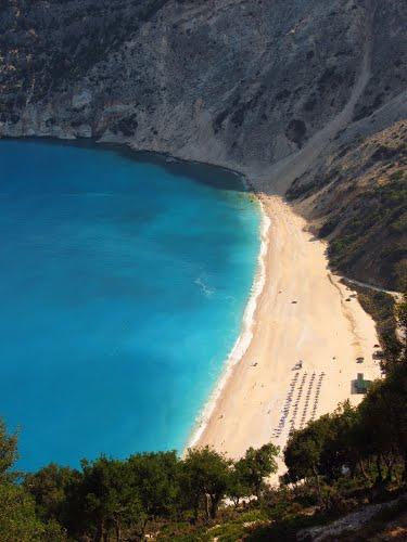 diaforetiko.gr : myrtos beach kefalonia Οι πιο όμορφες ελληνικές παραλίες! ..Ένα φωτογραφικό αφιέρωμα που ξεχειλίζει ομορφιά !!!
