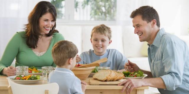 Eurostat: Ένας στους δυο Έλληνες ζει με τους γονείς του