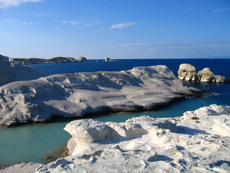diaforetiko.gr : sarakhniko beach mhlos Οι πιο όμορφες ελληνικές παραλίες! ..Ένα φωτογραφικό αφιέρωμα που ξεχειλίζει ομορφιά !!!