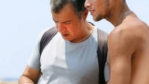 """Σταύρος Θεοδωράκης: """"Μην αφήσεις τίποτα στην παραλία παρά μόνο τις πατημασιές σου"""""""