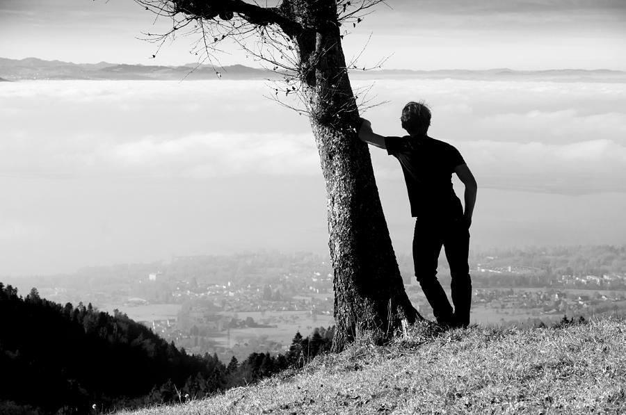 Ποιες είναι οι επιπτώσεις της μοναξιάς στον οργανισμό μας; - neolaia.gr