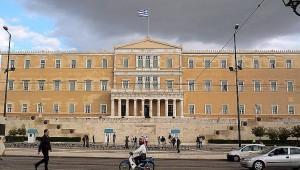 BBC: Σε ποιους χρωστάει τελικά η Ελλάδα;
