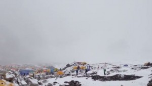 Hit by Avalanche in Everest Basecamp 25.04.2015   YouTube