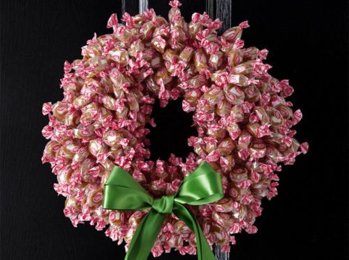 fnm_120109-wreaths-003_s4x3_lg