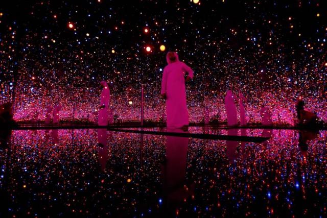 "18. Yayoi Kusama - ""Infinity Rooms"""