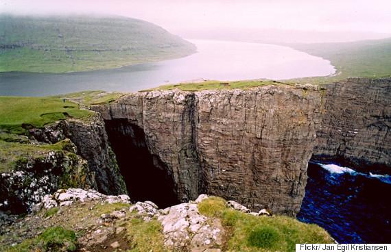 Η πιο εντυπωσιακή λίμνη στον κόσμο βρίσκεται στην Ισλανδία! (photos)