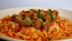 Fresh-Pasta-with-Summer-Meatballs-1-638x350