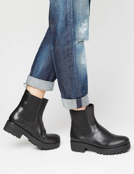 82c1869bc7 Τα 7 ζευγάρια παπούτσια που πρέπει να έχει κάθε γυναίκα! Online Αγορά!
