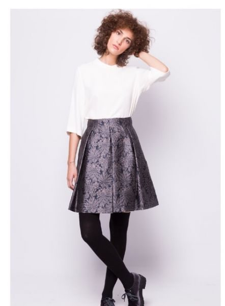 24a46ea74b89 Φθινοπωρινά ρούχα: 10 φούστες που είναι ιδανικές για τη δουλειά ...