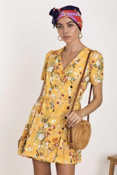 887942cc42d5 10 φορέματα και φόρμες για να κάνεις υπέρλαμπρη τις βόλτες σου ...