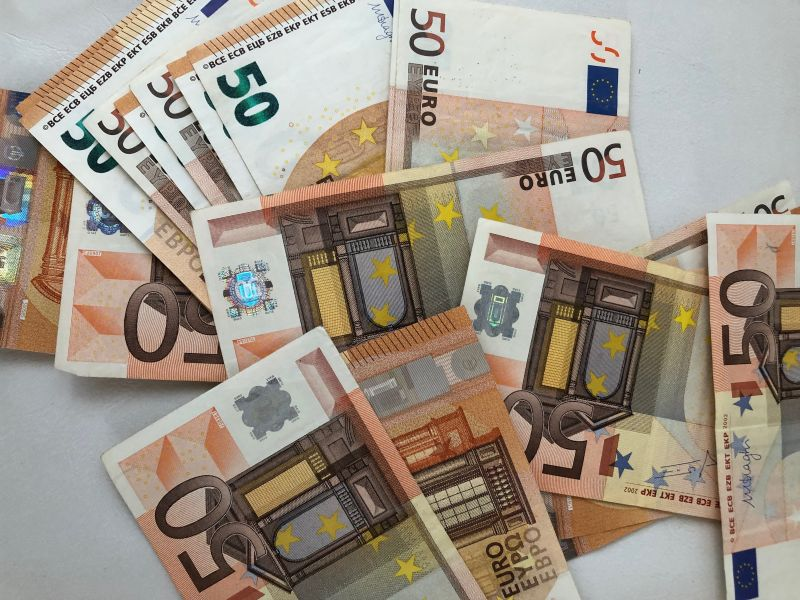 ΠΝΠ: Αναστολή συμβάσεων και λήψη επιδόματος 800 ευρώ [πληροφορίες ...